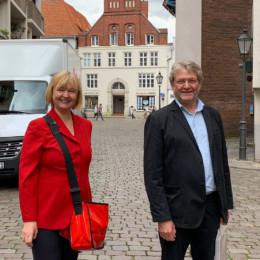 Andrea Schröder-Ehlers MdL in der Lüneburger Innenstadt